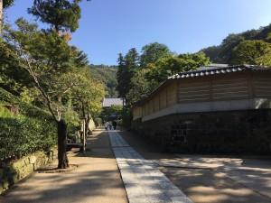 円覚寺 境内の赴きある通路