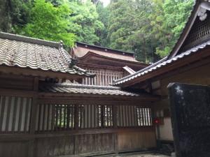 武田八幡神社の本殿