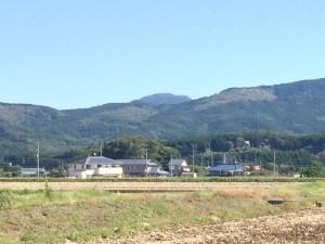 小山町側から望む足柄峠の山波