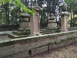 円教寺・榊原家墓所