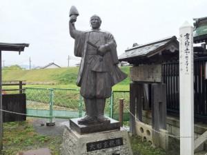大石主税の像