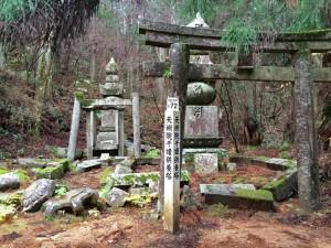 千姫の供養塔