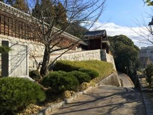 松山城の二之丸史跡庭園付近