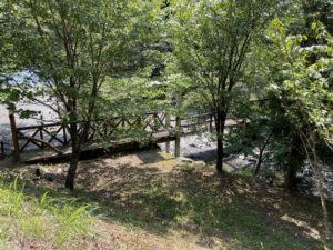 八重桐の池 「跳ね橋」