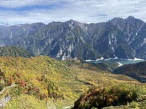 紅葉と黒部湖