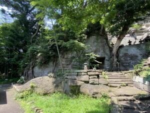 英勝寺の洞窟