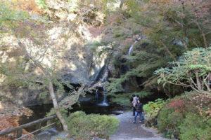 月待の滝(裏見の滝)