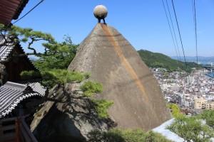 千光寺の玉の岩
