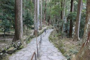 那智の滝への階段