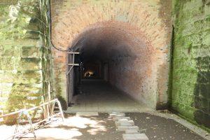 猿島のトンネル入口