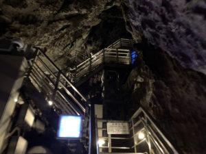 龍泉洞の階段
