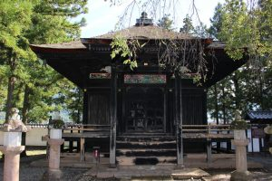 真田信弘の霊屋