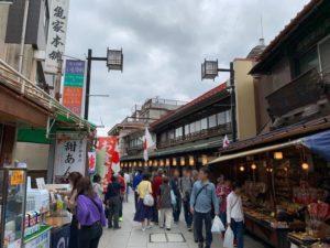柴又帝釈天の商店街