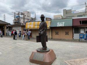柴又駅・寅さん銅造