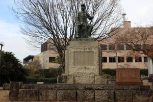 谷干城の銅像