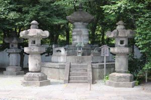 徳川家重の墓