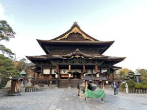 善光寺の本堂(国宝)