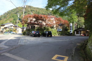 無限庵の駐車場