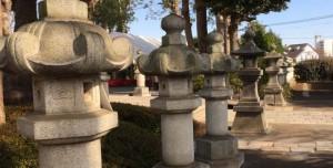 松陰神社の石燈籠